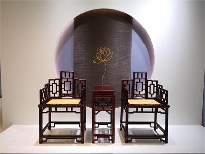 """""""美哲厅""""玫瑰椅展示"""