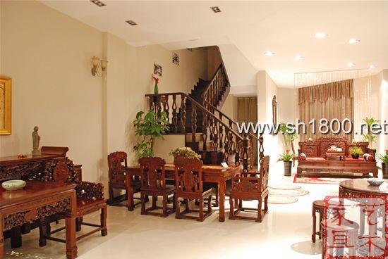红木家具在客厅的整体效果