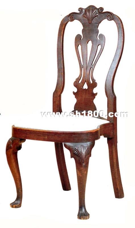 安妮式家具的基本形态是来自当时的法国巴洛克.